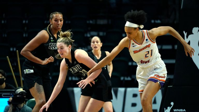 Highlights of the second playoff round game between Phoenix Mercury and Seattle Storm in the WNBA.