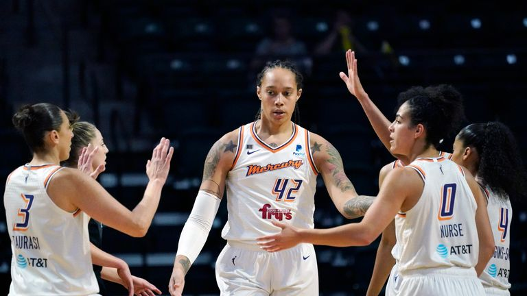 Check out the top three plays from Sunday night in the WNBA.