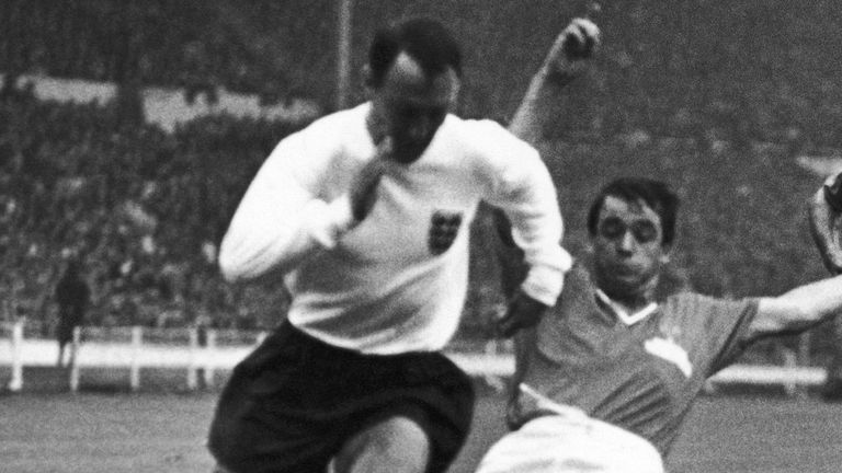 جيمي جريفز خلال مباراة إنجلترا في كأس العالم ضد فرنسا عام 1966