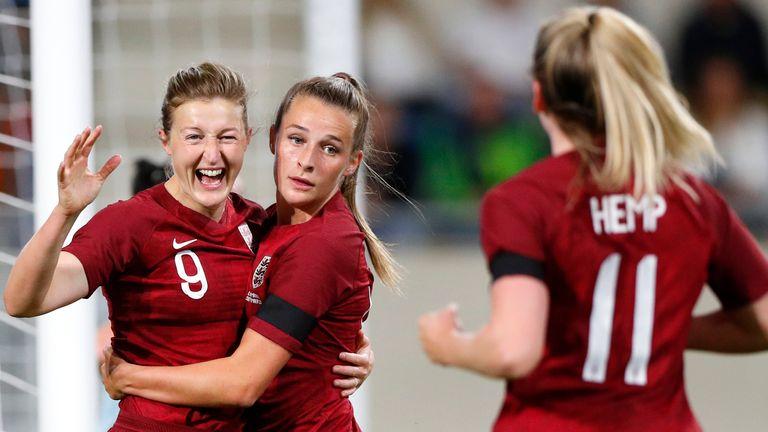 Ellen White celebrates with England team-mates