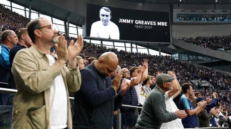 Spurs fans pay their respects to Jimmy Greaves ahead of the Chelsea match on Sunday