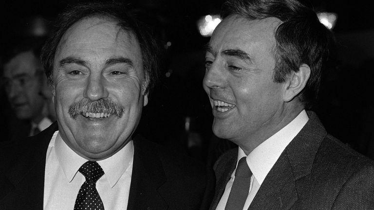 Jimmy Greaves (left) with Ian Saint-John