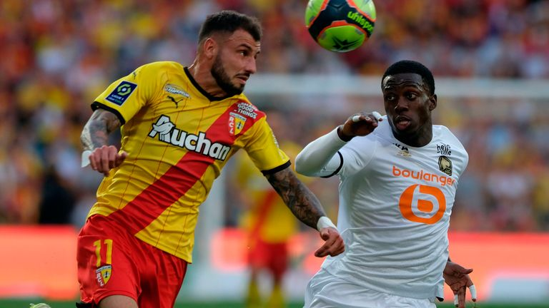 Lens defender Jonathan Clauss in action
