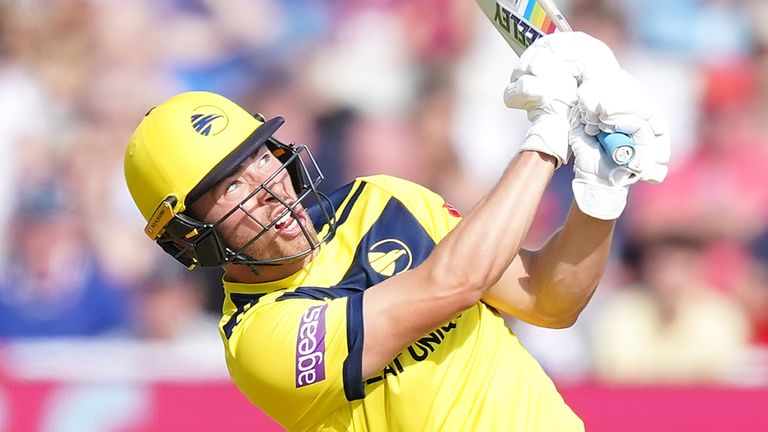 Joe Weatherley's 71 off 50 balls came in vain for Hampshire