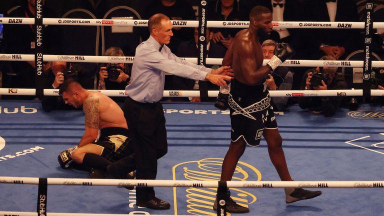 Lawrence Okolie vs Dilan Prasovic, WBO Cruiserweight Title, Tottenham Hotspur Stadium, London..25 September 2021.Picture By Ian Walton Matchroom Boxing.Lawrence Okolie wins
