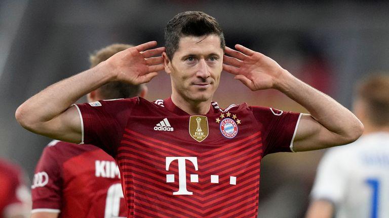 Robert Lewandowski scored twice in Bayern's big win over Dynamo Kiev