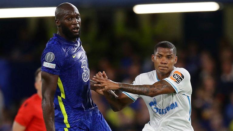 Romelu Lukaku of Chelsea with Wilmar Barrios of Zenit