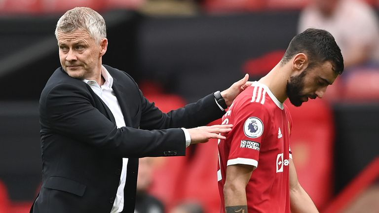 Ole Gunnar Solskjaer consoles Bruno Fernandes as his late missed penalty in Man Utd's 1-0 defeat to Aston Vila