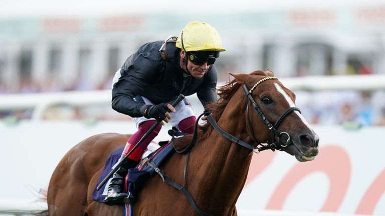 Stradivarius finishes well clear of his rivals to win a second Doncaster Cup under Frankie Dettori