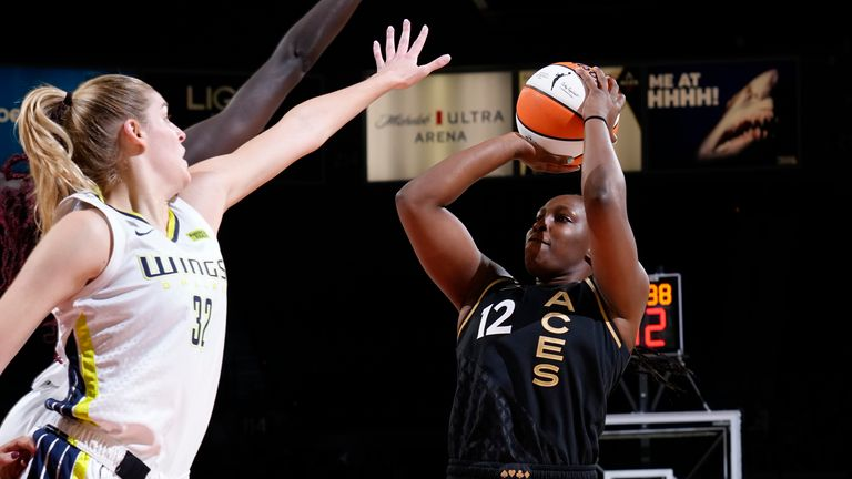 Chelsea Gray #12 of the Las Vegas Aces shoots the ball during the game against the Dallas Wings on September 13, 2021 at Michelob ULTRA Arena in Las Vegas, Nevada.