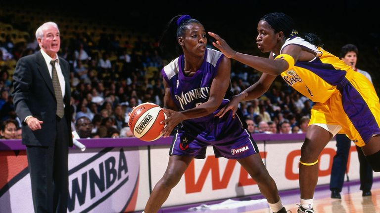 Ruthie Bolton handling the ball for the Sacramento Monarchs against the Los Angeles Sparks