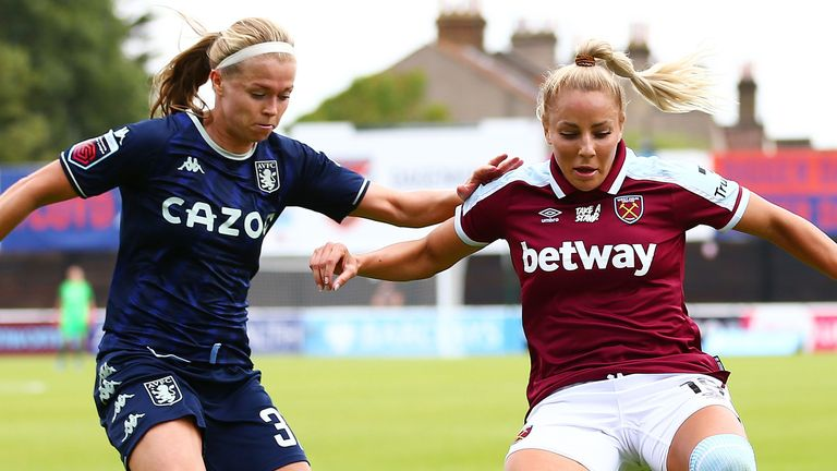 Adriana Leon battles for possession with Ruehsa Littlejohn