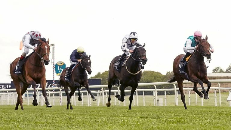 Teona (left) - set for the Arc