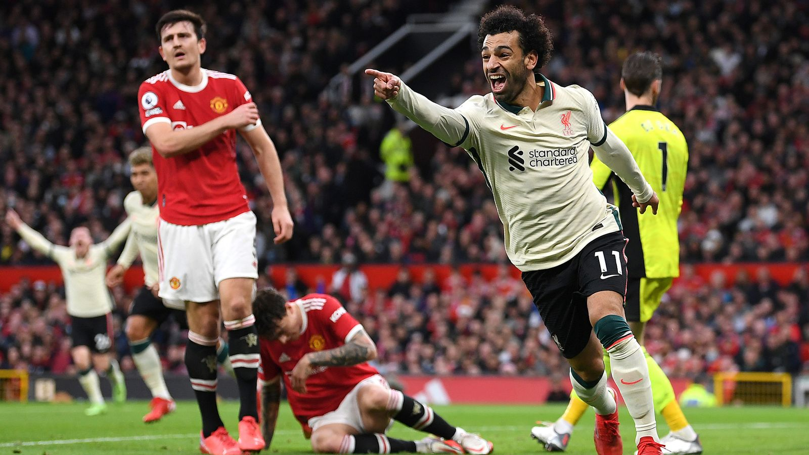 Premier League hits & misses: Man Utd's defensive horrorshow and Harry Kane's struggles allow rivals Liverpool and West Ham to celebrate