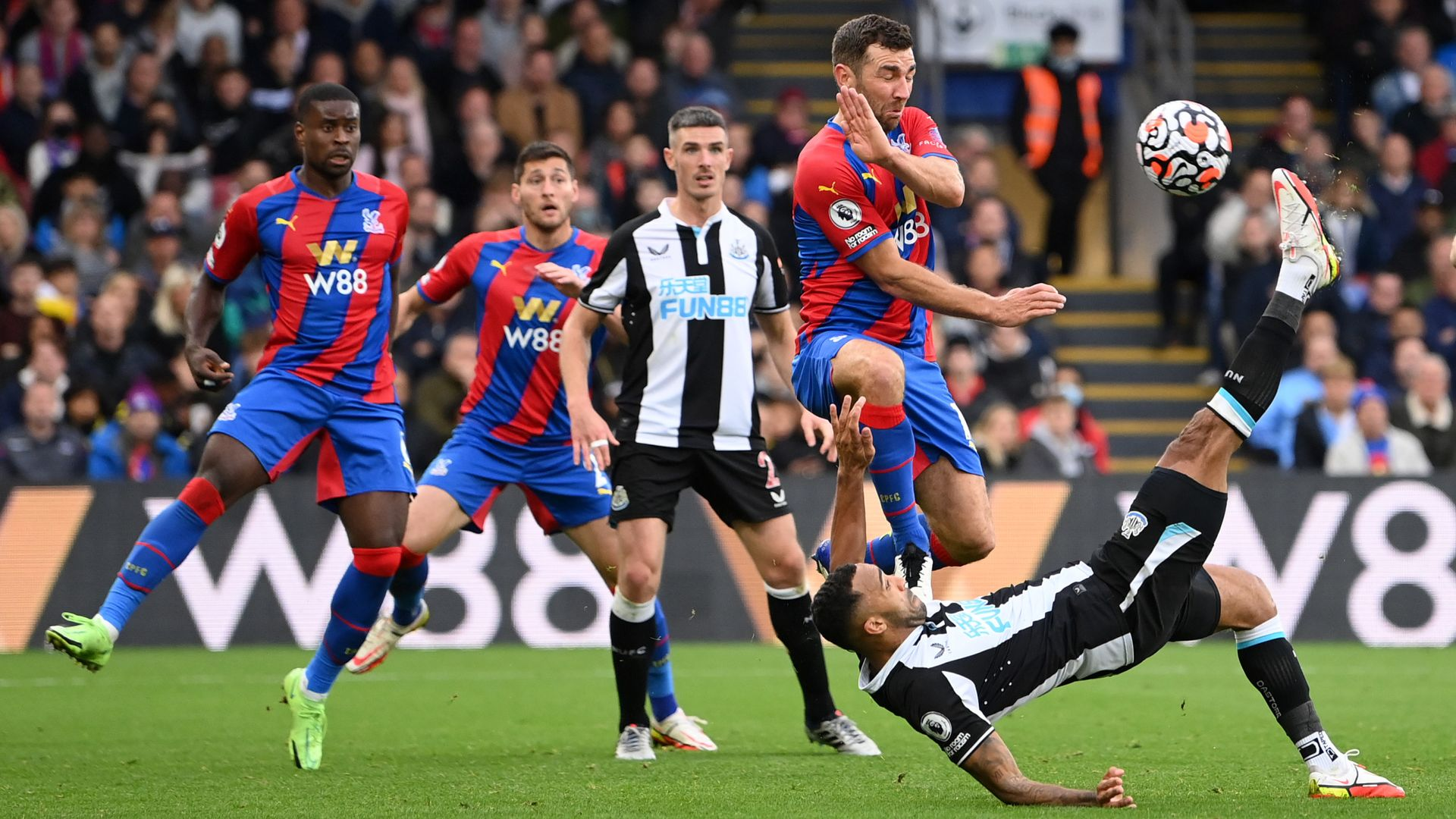 Wilson overhead stunner earns Newcastle point at Palace