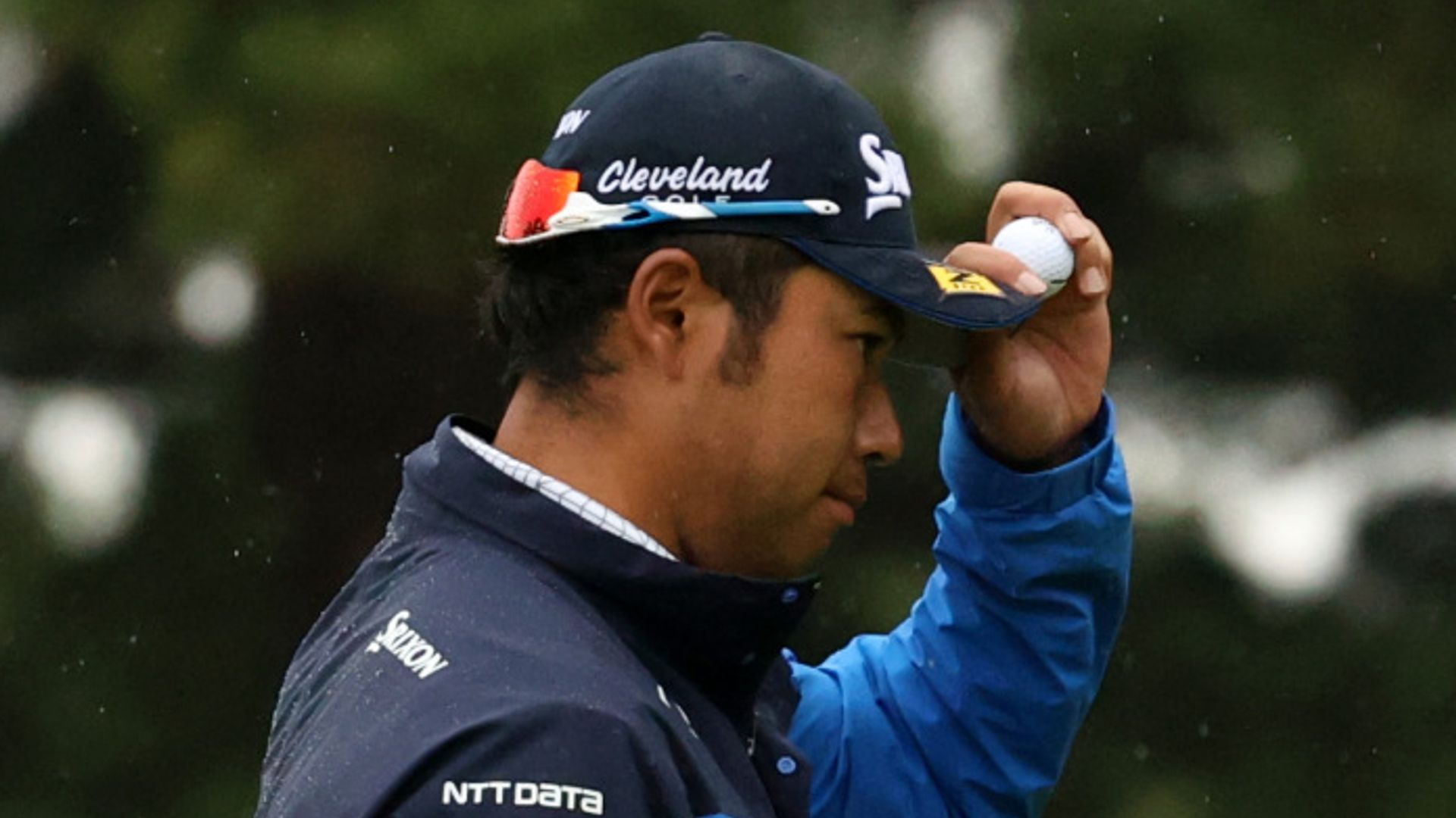 Matsuyama leads, Wallace surges into contention