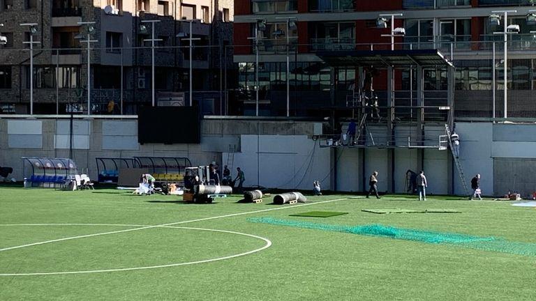 Andorra che corre nella foto dello stadio di Dorset