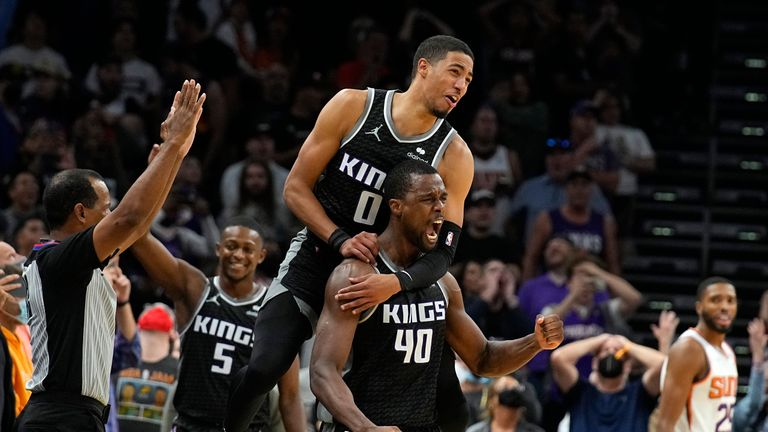 Harrison Barnes made the buzzer-beating three as the Sacramento Kings triumphed 110-107 over the Phoenix Suns.