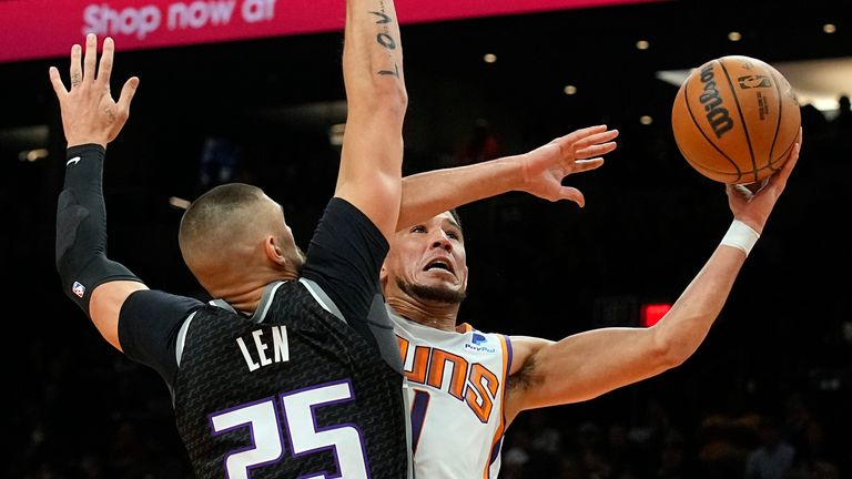 Devin Booker contributed 31 points in Phoenix's losing effort against Sacramento.