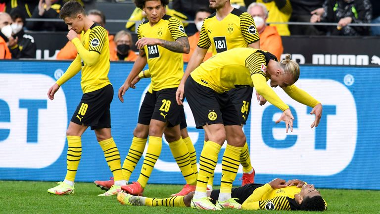 Dortmund's win over Mainz takes them top