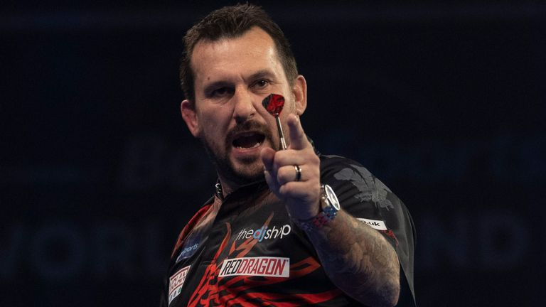 Jonny Clayton powered his way into the quarter-finals of the World Grand Prix for the first time with Welshman remaining firmly on a collision course with fellow countryman Gerwyn Price