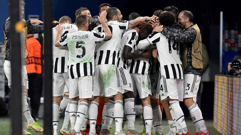Juventus stayed top of Group H