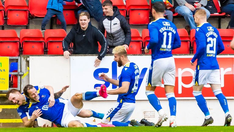 PERTH, SCOTLAND - OCTOBER 02: Stevie May celebrates scoring to make it 3-0 during the cinch Premiership match between St Johnstone and Dundee at McDiarmid Park on October 02, 2021, in Perth, Scotland. (Photo by Roddy Scott / SNS Group)