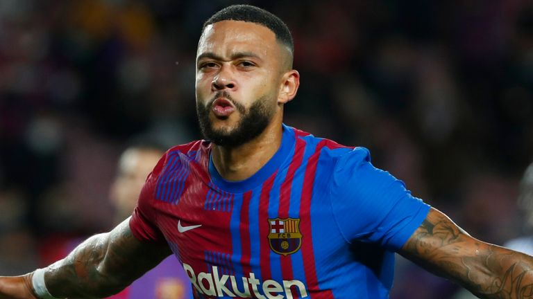 Memphis Depay scored from the penalty spot during Barcelona's win