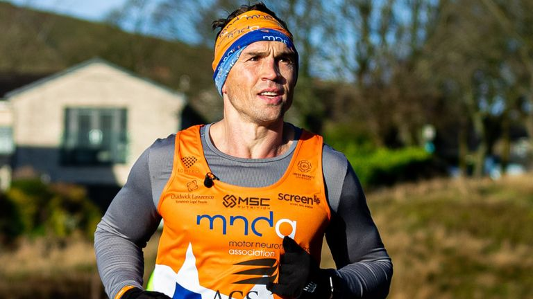Kevin Sinfield going the extra mile in 24-hour charity challenge for MND |  Rugby League News